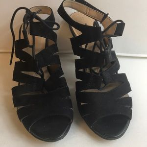 Naturalizer black sandal  heel size 8